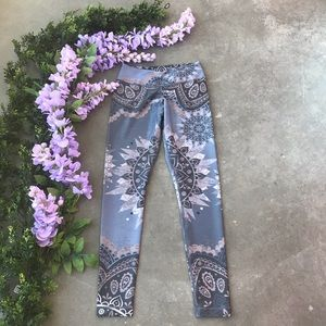 NEW Niyama Dancing Beauty Leggings Size Small